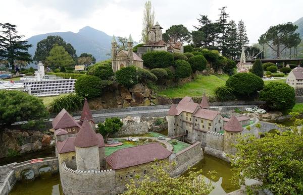 Swiss-Miniature-Schloss