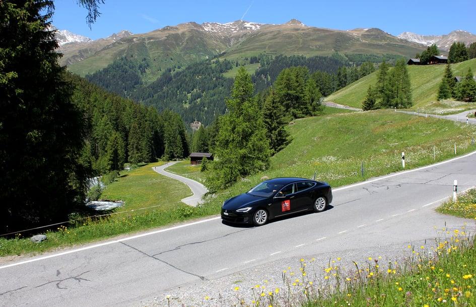 Unterwegs mit dem Tesla auf der Grand Tour of Switzerland